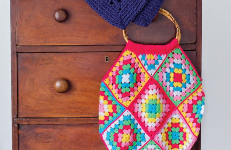 "Crochet festival bag project + Win ""Granny Squares Weekend"" book"